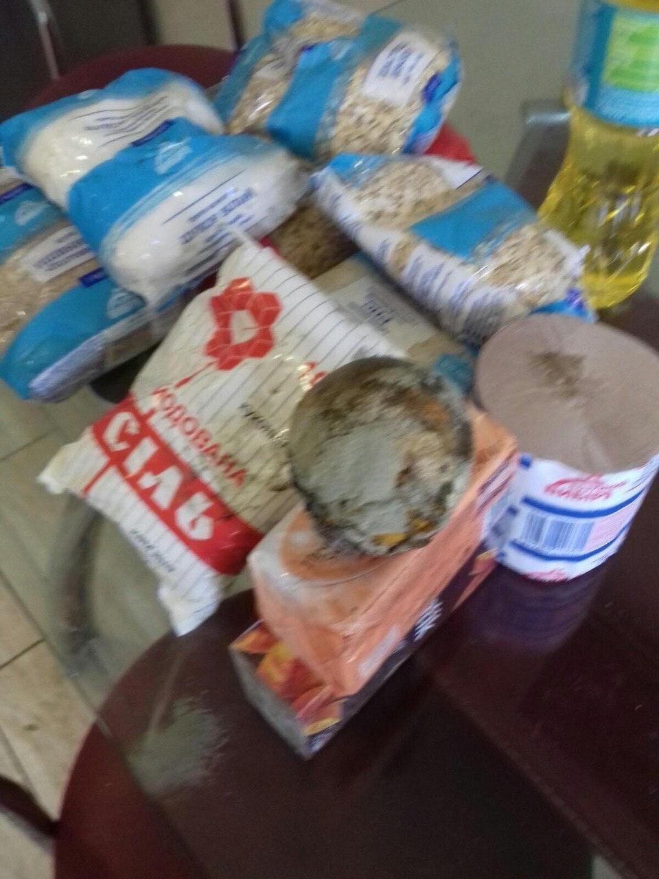 Курйоз дня: на Закарпатті пенсіонерам роздають набори з... гнилими апельсинами (ФОТО), фото-3