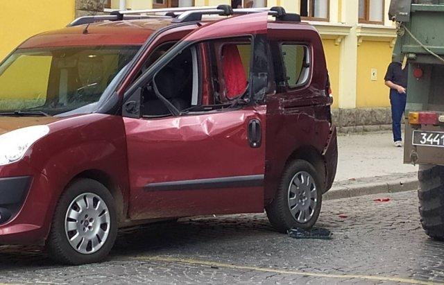 """У Мукачеві військовий """"Краз"""" зіткнувся з """"Fiat"""" - є постраждалі (ФОТО), фото-2"""