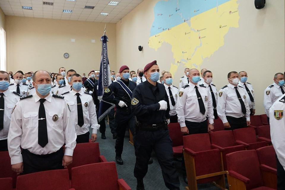 В Ужгороді відбулися урочистості з нагоди 5-ої річниці з дня створення Національної поліції України (ФОТО), фото-1