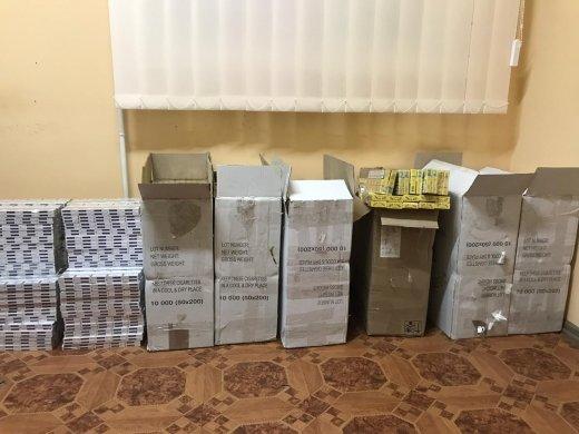 8 ящиків тютюнової контрабанди перехопили прикордонники Мукачівського загону (ФОТО), фото-2
