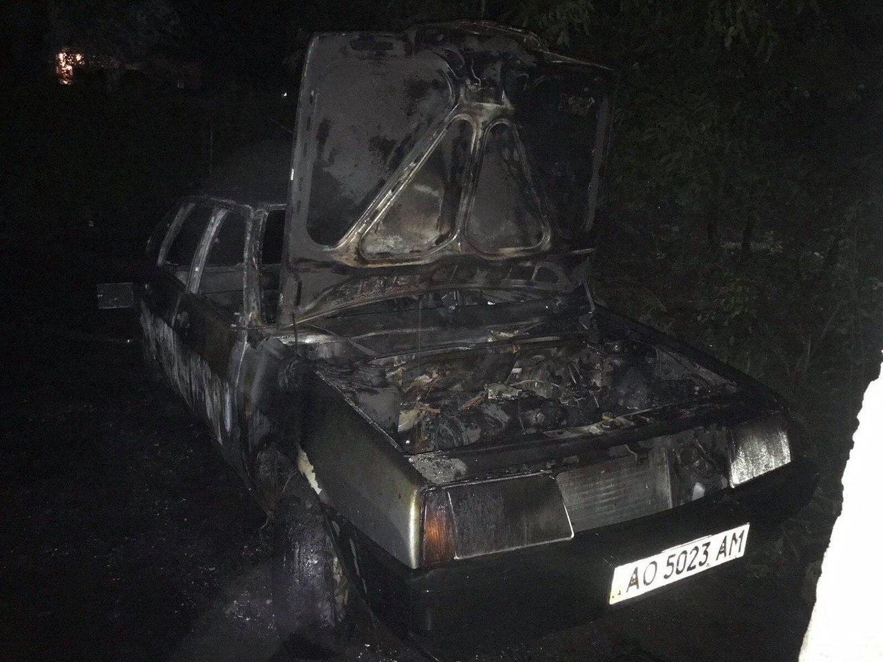 В Ужгороді вночі спалили авто, яке належить працівнику Баранинської ОТГ (ФОТО, ВІДЕО), фото-2