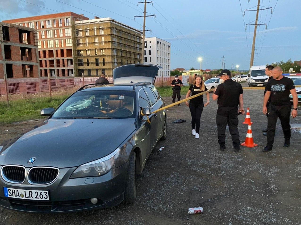 Стрілянина в Ужгороді: двоє людей поранені, нападника розшукує поліція (ФОТО), фото-5