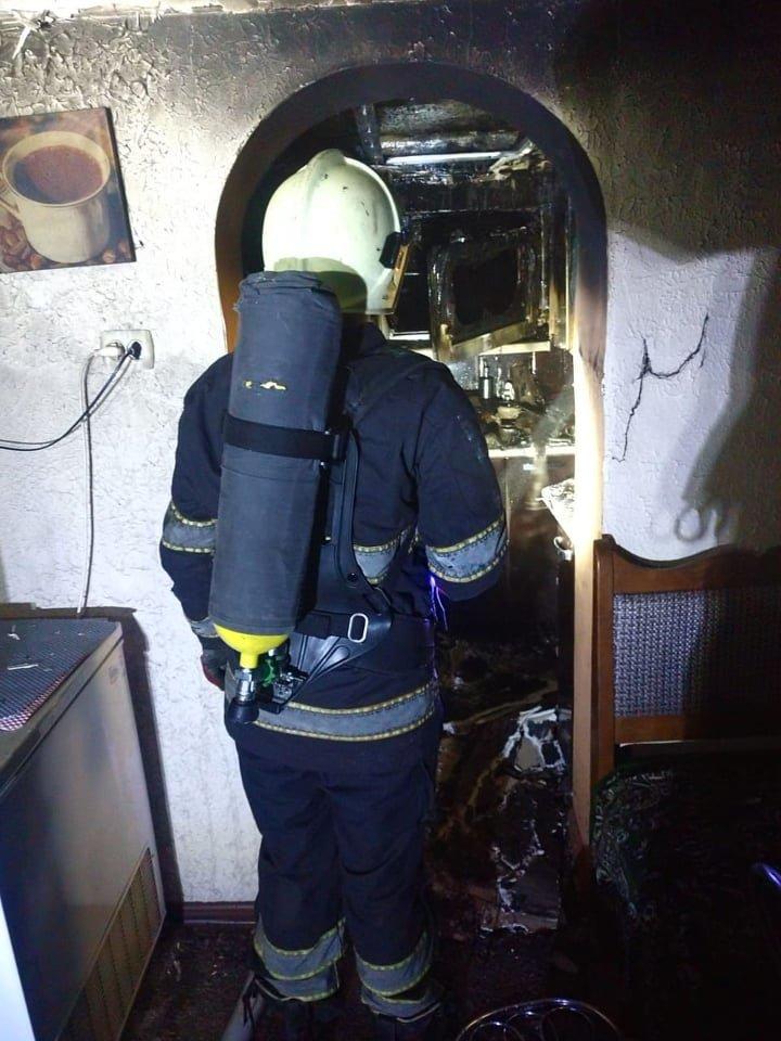 На Закарпатті під час пожежі ледь не загинув чоловік (ФОТО), фото-3
