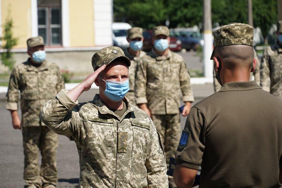 В Ужгороді вітали з поверненням бійців 128-ї окремої гірсько-штурмової Закарпатської бригади (ФОТО), фото-3