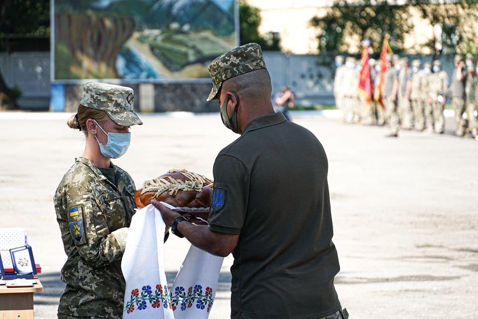 В Ужгороді вітали з поверненням бійців 128-ї окремої гірсько-штурмової Закарпатської бригади (ФОТО), фото-7