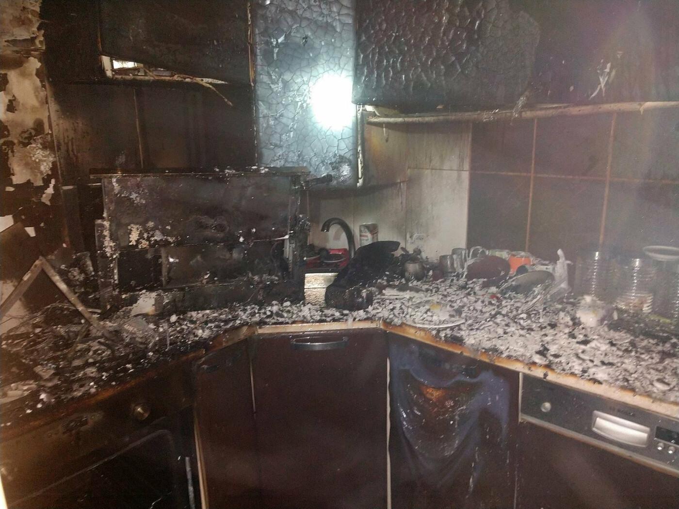 Знепритомнів: вогнеборці врятували 68-річного закарпатця, який потрапив у вогняну пастку (ФОТО), фото-2