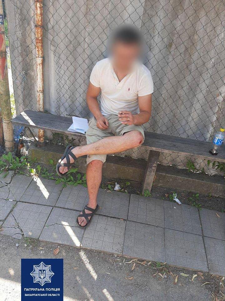 В Ужгороді п'яний водій намагався відкупитися від патрульної поліції хабарем (ФОТО), фото-1