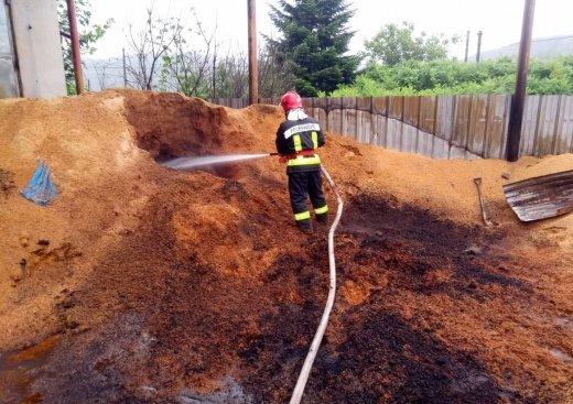 На Закарпатті горіло підприємство з виготовлення паливних брикетів (ФОТО), фото-2