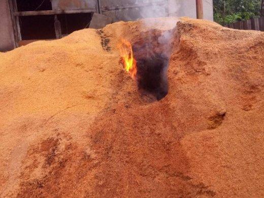 На Закарпатті горіло підприємство з виготовлення паливних брикетів (ФОТО), фото-4