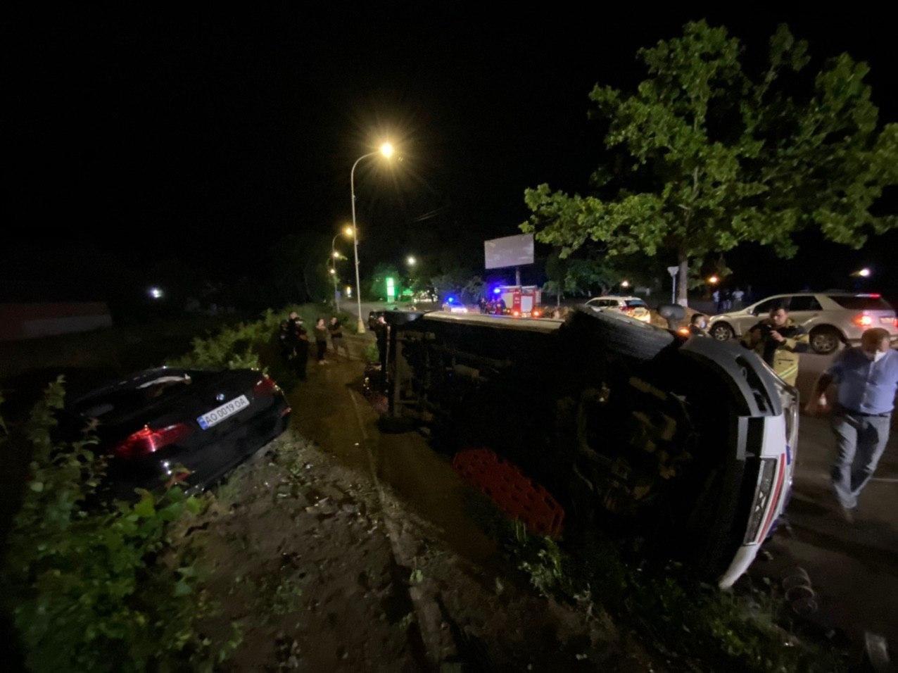 Автотроща в Ужгороді: BMW влетіла у  карету швидкої - 5 потерпілих - ЗМІ (ФОТО,ВІДЕО), фото-1