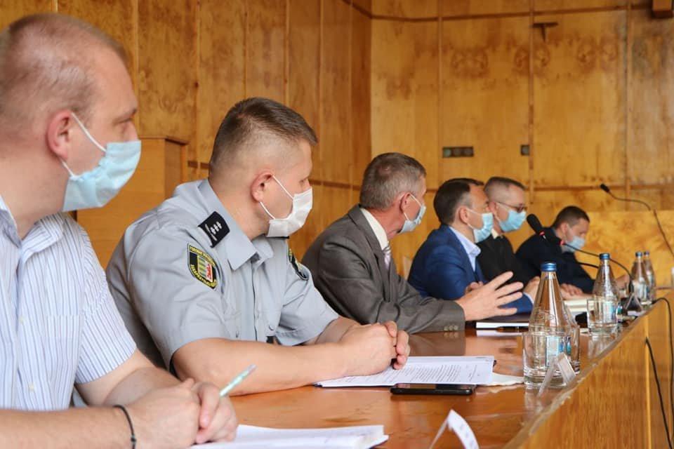 Голова Закарпатської ОДА Олексій Петров представив в.о. голови Хустської РДА, фото-3