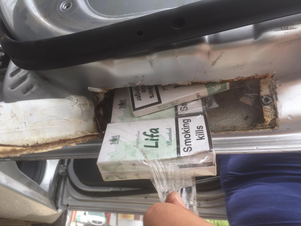 На кордоні закарпатські митники вилучили у мукачівки іномарку, в якій було приховано майже 50 блоків сигарет(ФОТО), фото-1