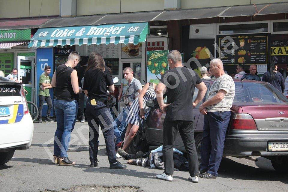 Стало зле: в Ужгороді таксист помер за кермом власного авто (ФОТО), фото-1