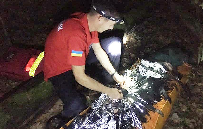 Пішла по гриби та заблукала: на Ужгородщині рятувальники розшукали 78-річну пенсіонерку (ФОТО), фото-1