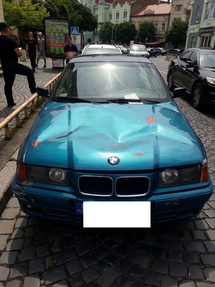 Понад 30 повідомлень про порушення правил паркування складено у Мукачеві за вихідні (ФОТО), фото-2