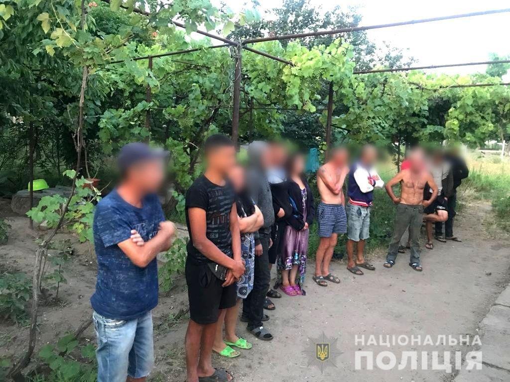 Обіцяли достойну зарплатню: закарпатські заробітчани потрапили у рабство (ФОТО), фото-1