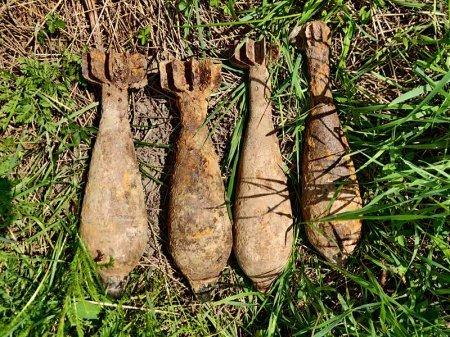 У горах Закарпаття турист знайшов 4 міни (ФОТОФАКТ), фото-1