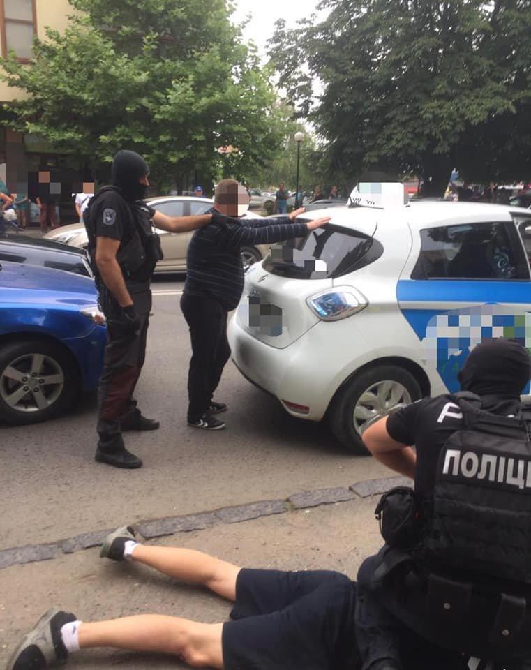 Спецоперація в Ужгороді: затримали наркоторговців (ФОТО), фото-4