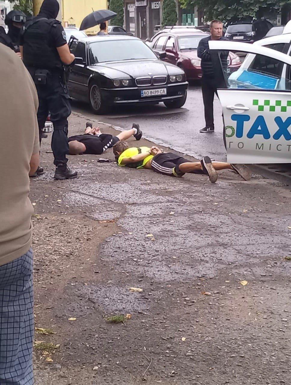 Спецоперація в Ужгороді: затримали наркоторговців (ФОТО), фото-2
