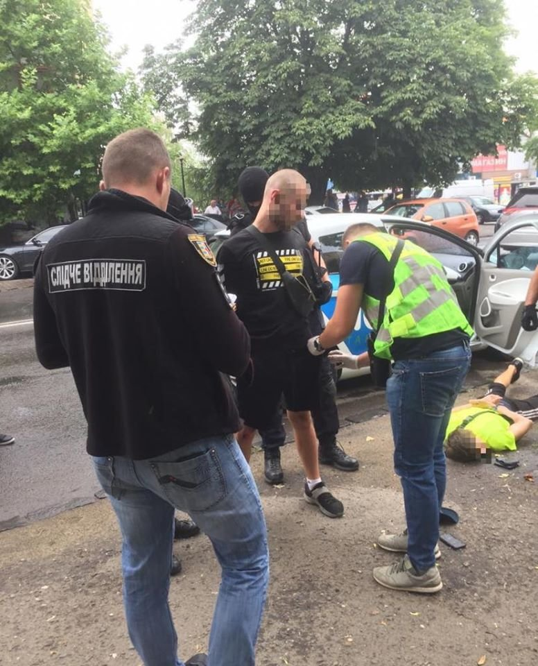Спецоперація в Ужгороді: затримали наркоторговців (ФОТО), фото-5