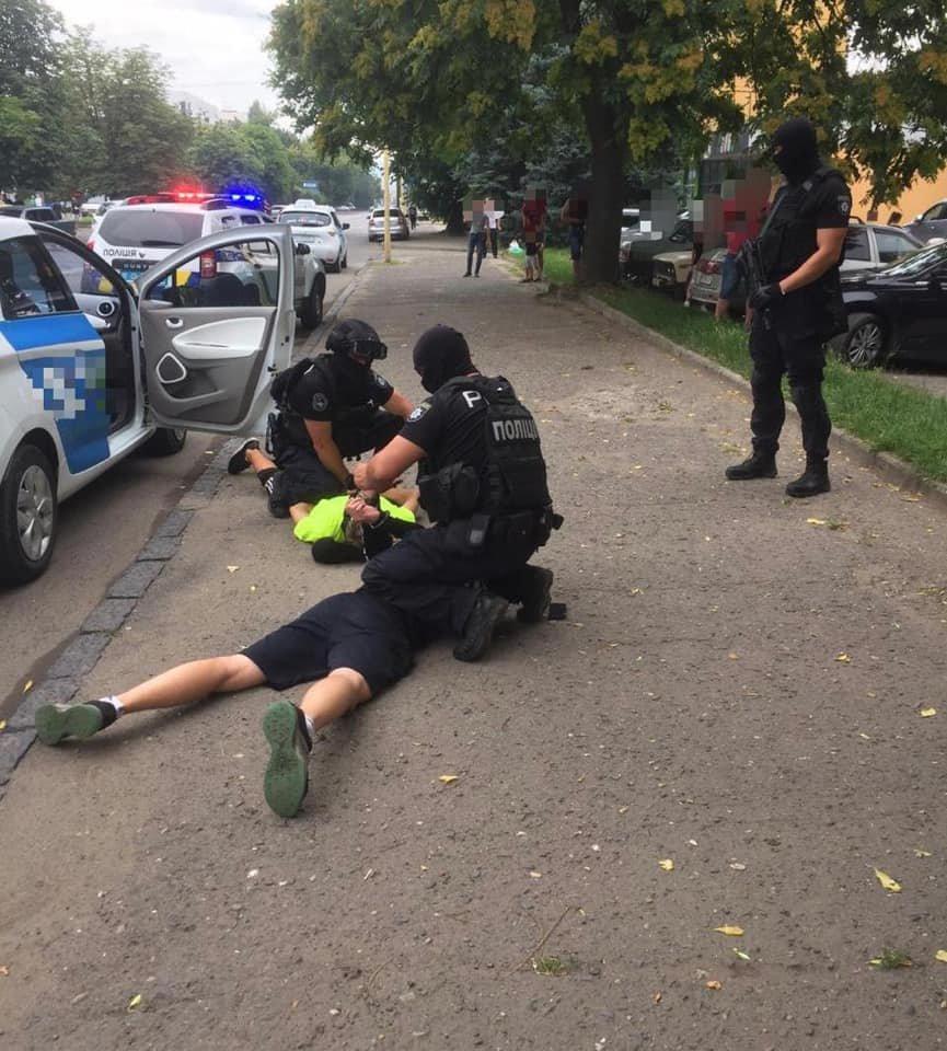 Спецоперація в Ужгороді: затримали наркоторговців (ФОТО), фото-3