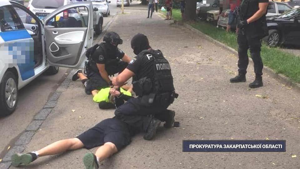 В Ужгороді взято під варту 20-річного хлопця, якого підозрюють у наркоторгівлі, фото-2