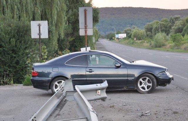 ДТП на об'їзній дорозі Ужгорода: зіткнулися Mercedes та Citroen (ФОТО), фото-2