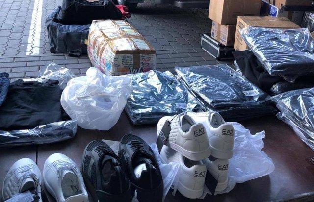 """На КПП """"Тиса"""" у львів'янина вилучили дорогі брендові речі (ФОТО), фото-2"""