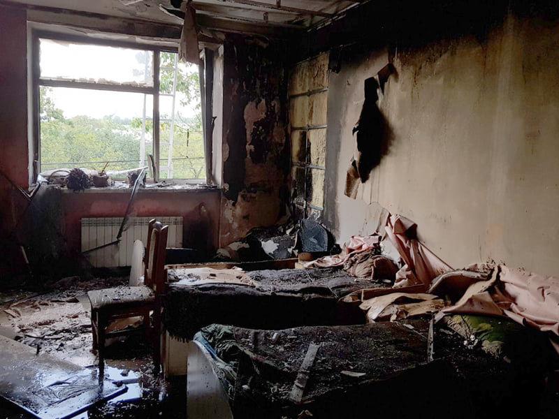 Поки діти були на прогулянці, вогонь охопив спальню: горів центр соціально-психологічної реабілітації дітей (ФОТО), фото-2