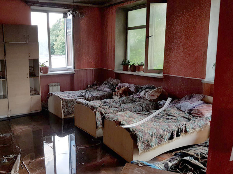 Поки діти були на прогулянці, вогонь охопив спальню: горів центр соціально-психологічної реабілітації дітей (ФОТО), фото-1