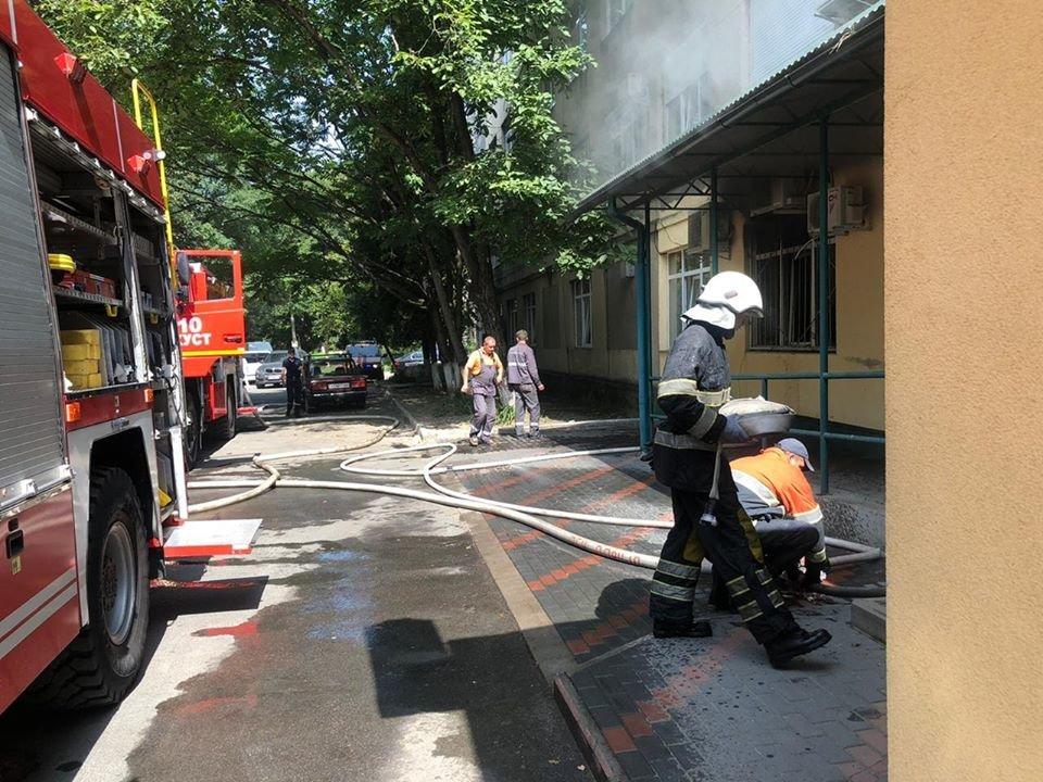 У Хусті горіла лікарня: хворих довелось евакуйовувати (ФОТО), фото-4