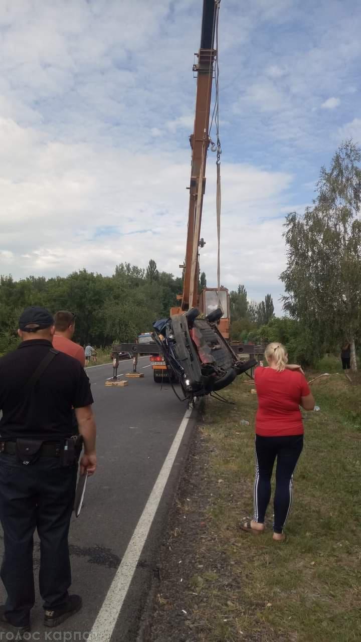 Подробиці смертельної ДТП: водій був п'яним, один із пасажирів загинув на місці (ФОТО), фото-1