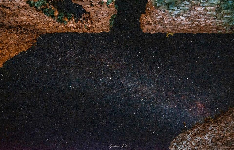 """Фото дня: над Невицьким замком фотографи """"ловили"""" зорепад Персеїд, фото-2"""