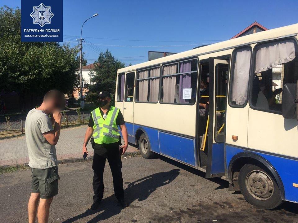 Зростання хворих на коронавірус: на Закарпатті патрульні перевіряють всі автобуси (ФОТО), фото-3