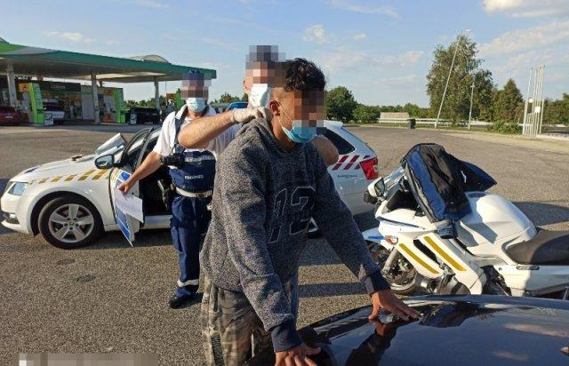 Закарпатця арештували в Угорщині за перевезення нелегалів (ФОТО), фото-2