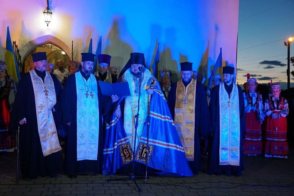 З Днем Незалежності, Україно! В Ужгороді на світанку молилися за мир у країні (ФОТО, ВІДЕО), фото-4