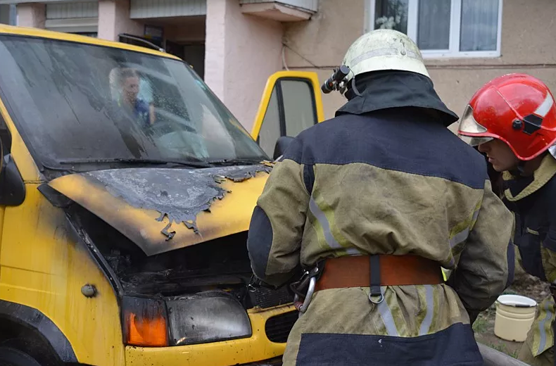 В Ужгороді та Мукачеві горіли автівки (ФОТО), фото-1