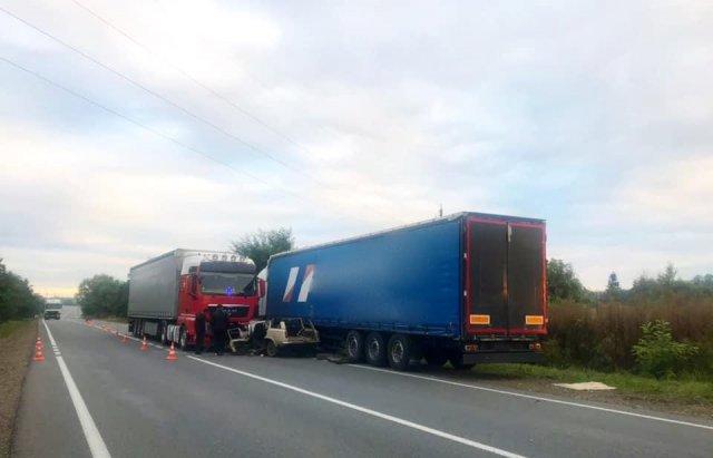 Троє закарпатців загинули у моторошній ДТП біля Коломиї (ФОТО, ВІДЕО), фото-3