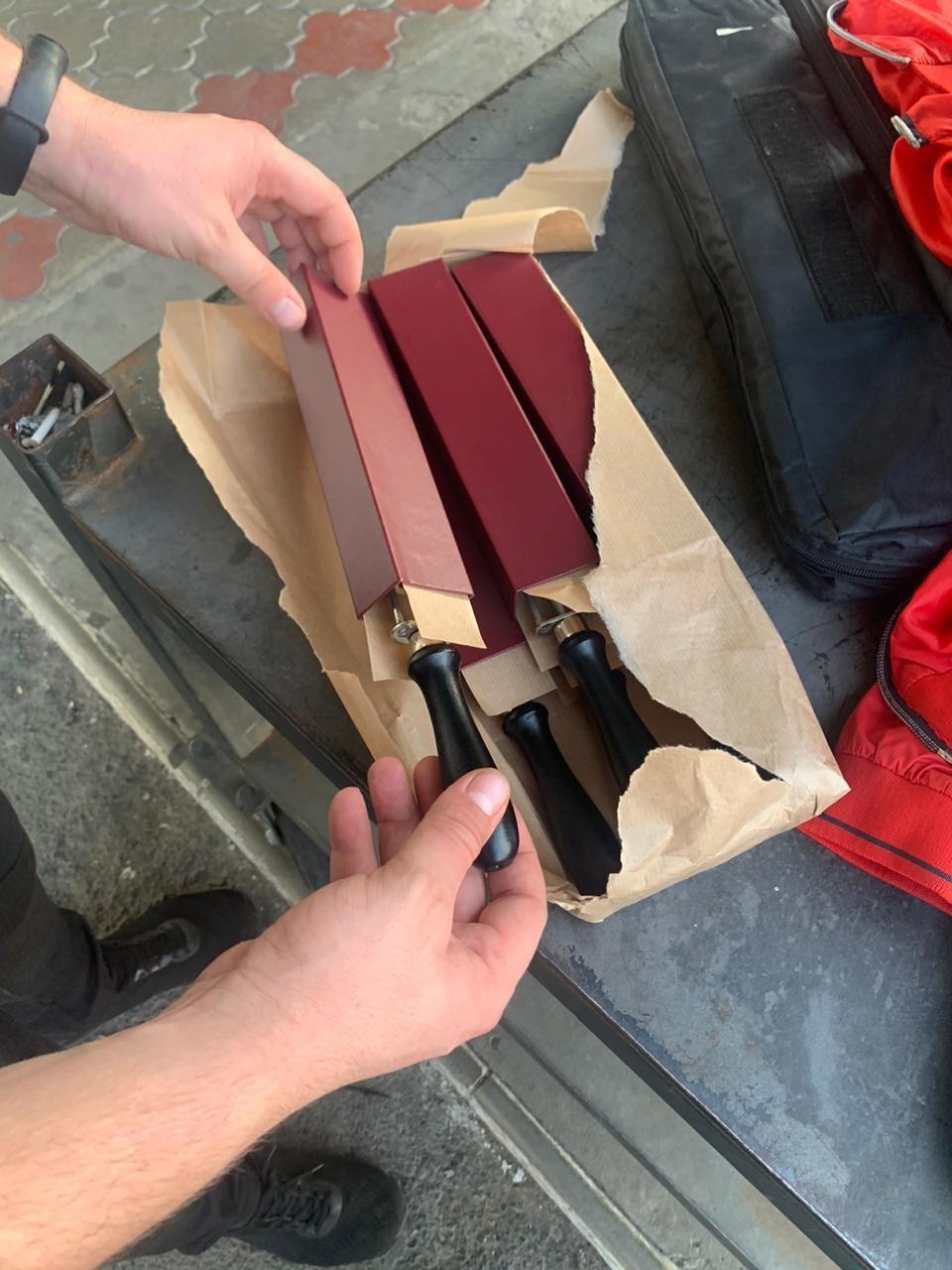 На Закарпатті митники виявили в українки контрабанду імпортних чоловічих бритв (ФОТО), фото-1