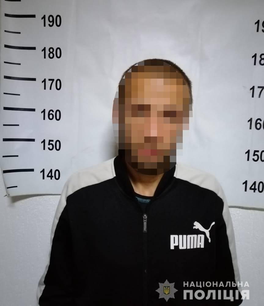Четверо нападників побили жителя м. Берегово, пограбували й пошкодили його автівку (ФОТО), фото-2