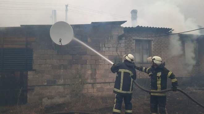 Масштабні пожежі на Луганщині: вогонь дістався вже до замінованого узбіччя біля КПВВ (ФОТО), фото-3