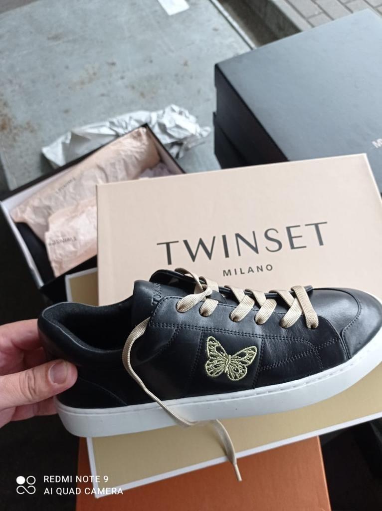 На кордоні з Угорщиною закарпатські митники виявили брендове взуття з Італії (ФОТО), фото-4