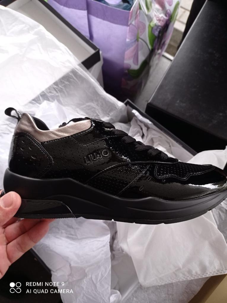 На кордоні з Угорщиною закарпатські митники виявили брендове взуття з Італії (ФОТО), фото-3