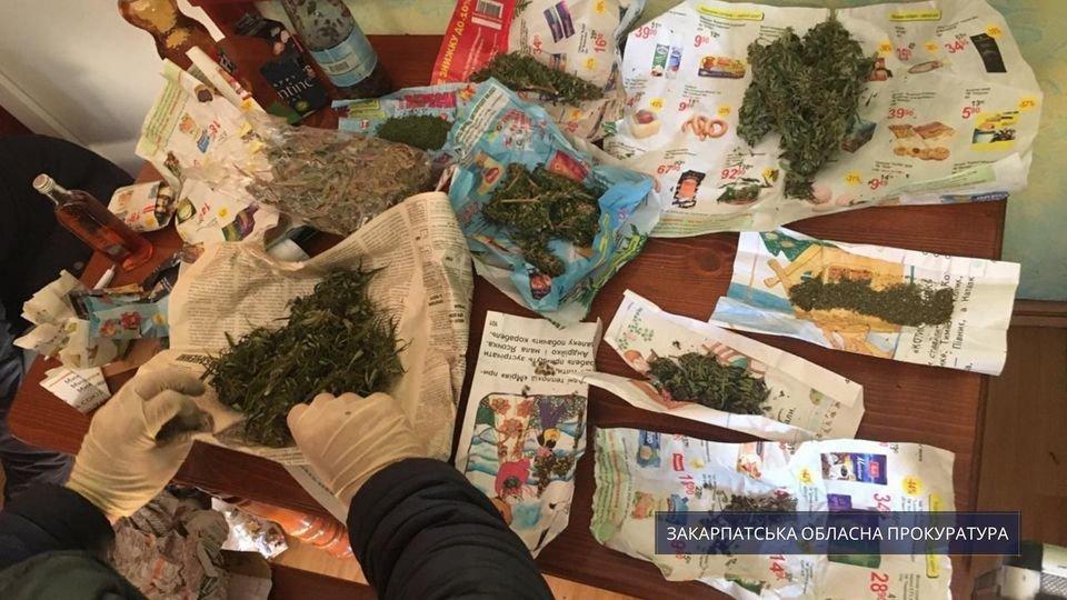 Прокуратура погодила підозру чоловіку, в помешканні якого знайшли понад 3 кг наркотиків (ФОТО), фото-1