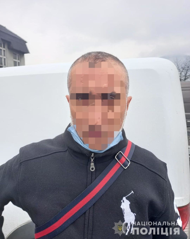 На Закарпатті викрили іноземця, який організовував переправу нелегалів через кордон (ФОТО), фото-2