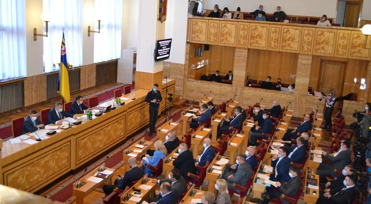 Засідання обласної ради VIII скликання: депутати затвердили постійні комісії та президію, фото-6