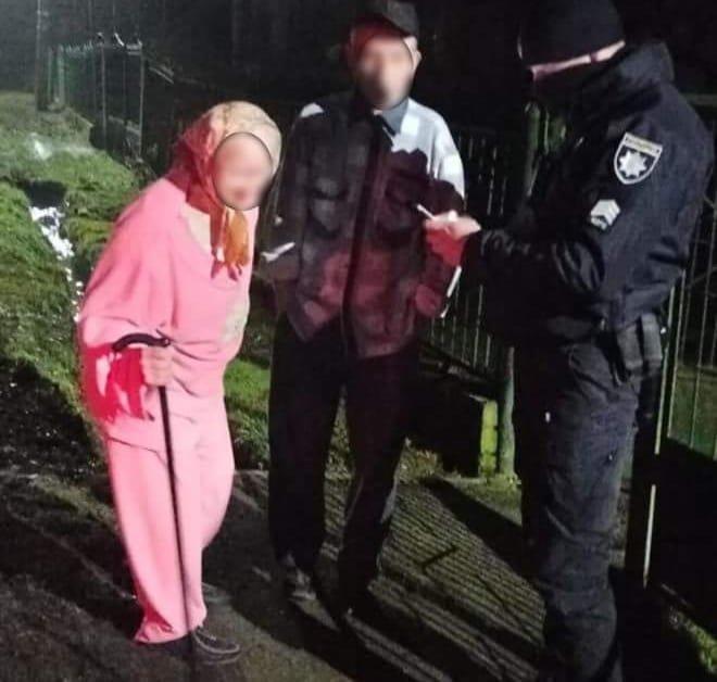 На Ужгородщині патрульні допомогли жінці потрапити додому (ФОТО), фото-1