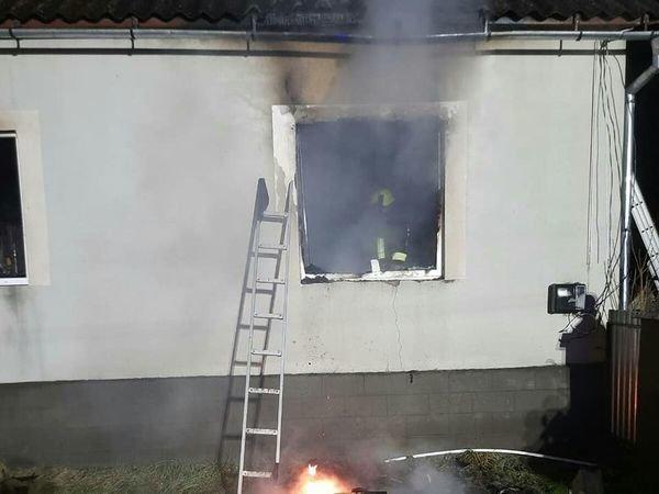 На Закарпатті вогнеборці рятували від вогню житловий будинок (ФОТО)  , фото-2