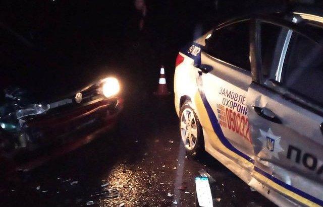 На Закарпатті Volkswagen Golf  на єврономерах влетів у поліцейський автомобіль (ФОТО), фото-1