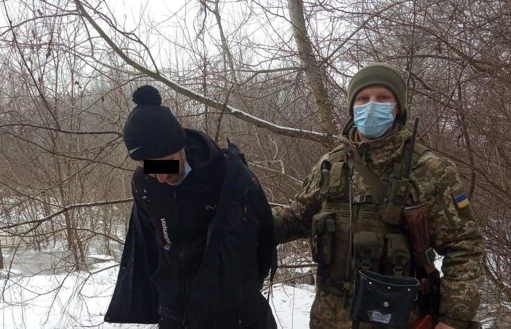 Закарпатські прикордонники затримали нелегальних мігрантів з Молдови та Лівану (ФОТО), фото-1